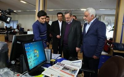 بازدید وزیر آموزش وپرورش از موسسه مطبوعاتی ایران و پاسخ به سوالات خبرنگاران