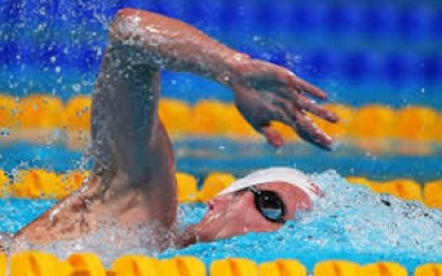مسابقات شنای دانش آموزان دختران محلات برگزار شد