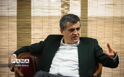 یاسر هاشمی: اعتراض مردم بحق است اما نباید به هرج و مرج منجر شود