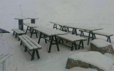 تصویر/ بارش برف در پیست اسکی دیزین