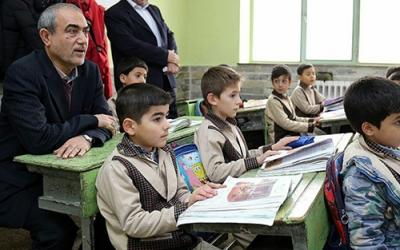 استاندار آذربایجان شرقی: محیط کلاسهای درس باید مناسب و بانشاط باشند
