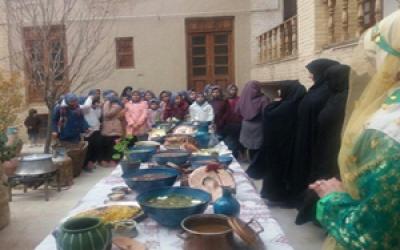 جشنواره غذاهای بومی و محلی در آشتیان برگزار شد