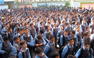 اجرای سرود توسط دانشآموزان هرمزگانی در مراسم استقبال از دکتر روحانی + ویدئو