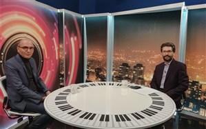 حسین علیشاپور:به ترانه های «مکش مرگ من» مجوز می دهند، به کار هنرمندان موسیقی اصیل نه!