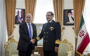 شمخانی: حضور تروریستهای مخالف ایران در فرانسه مقوم توسعه روابط دو کشور است