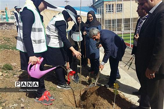 مراسم جشن تولد زمین در کردستان