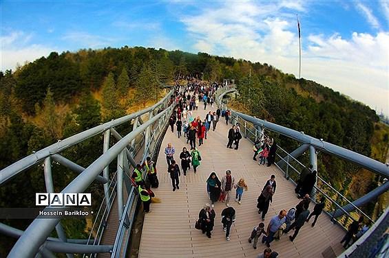 پل طبیعت تهران در نوروز