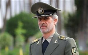 وزیر دفاع: از یک جت جنگنده ایرانی رونمایی میشود