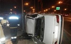 واژگونی پژو پارس با 2 کشته و یک مجروح در استهبان