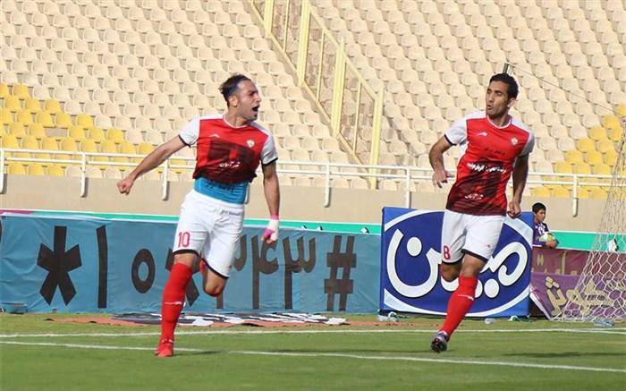 فوتبال/روح الله باقری