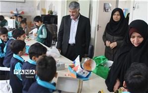 مسابقات ساخت ماشین و قایق های بادکنکی  در ناحیه 5 اصفهان برگزار شد