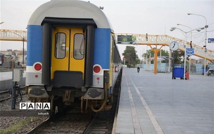 راه اندازی چهارمین قطار مسافری لوکس قم  به مشهد مقدس