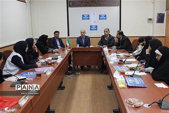 دیدار خبرنگاران پانا اسلامشهر با مدیر و شورای معاونین آموزش و پرورش