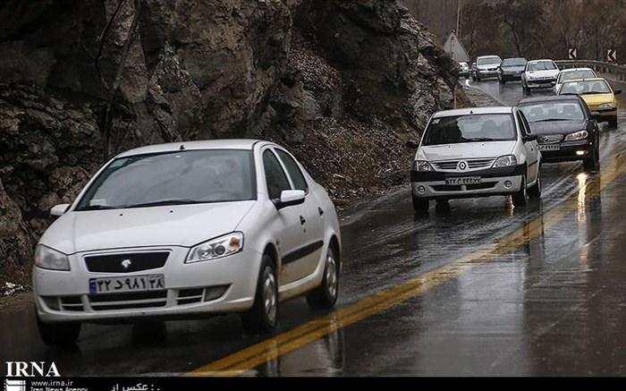 بارش باران جاده های البرز را لغزنده و پرترافیک کرد