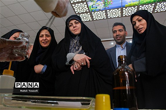 بازدید دستیار ویژه رئیسجمهور در امور حقوق شهروندی از پژوهشسرای دانش آموزی ناحیه سه تبریز