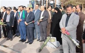 آغاز برنامه های هفته معلم با ادای احترام به 124 معلم شهید استان