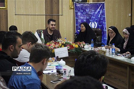 دیدار صمیمی دانش آموزان با  میلاد وطن پرست، گزارشگر ورزشی صدا وسیما آذربایجان شرقی