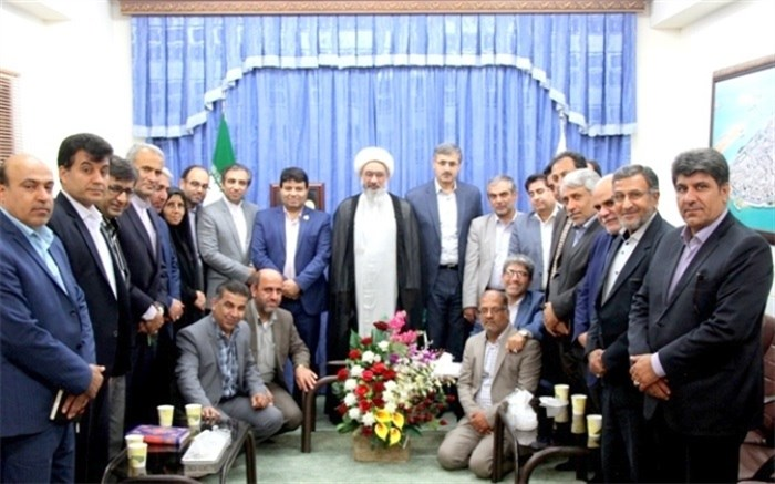 دیدار آیت الله صفایی بوشهری با مسئولان آموزش و پرورش