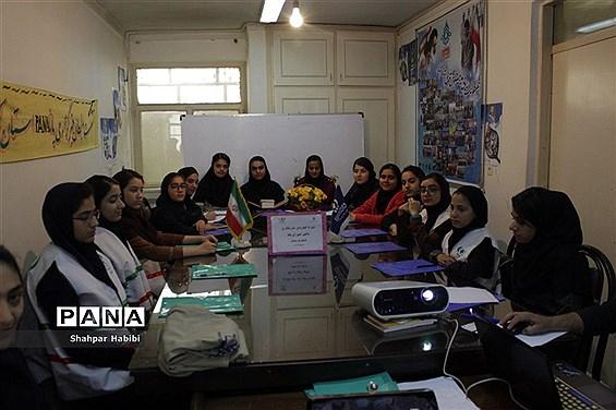 برگزاری کارگاه آموزش مقدماتی خبرنگاری،خبرنویسی و عکاسی در سنندج