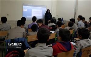اولین دوره آموزش اصول خبرنویسی و عکاسی پانا ویژه پیشتازان ناحیه4کرج برگزار شد