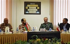 تأکید بر تقویت مناسبات و همکاری های آموزشی و نظامی نیروی دریایی سپاه و عمان