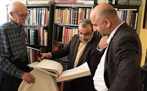 داریوش اسدزاده: بیشتر زمانم به مطالعه و نوشتن می گذرد