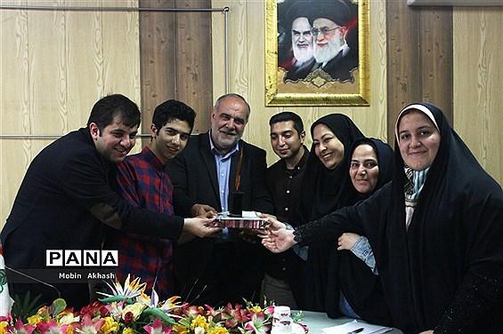 دیدار صمیمی دانش آموزان  با غلامحسین مسعودی ریحان عضو شورای شهر تبریز