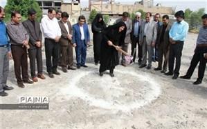 کلنگ احداث 4 مدرسه خیرساز در شهرستان جیرفت به زمین زده شد