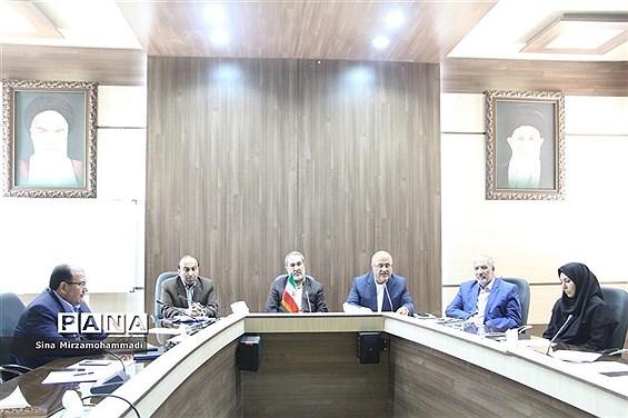 شورای پشتیبانی سواد آموزی و شورای آموزش و پروش آذربایجان غربی