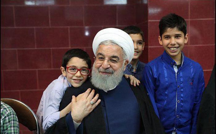 روحانی و مددجویان کودک بهزیستی و کمیته امداد