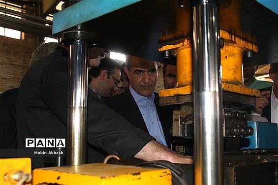 بازدید استاندار آذربایجان شرقی از واحد های تولیدی و صنعتی شهرک سلیمی
