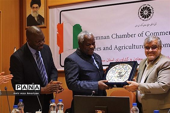 نشست کاردار سفارت کشور ساحلعاج در جمهوری اسلامی ایران با فعالان اقتصادی سمنان در اتاق بازرگانی
