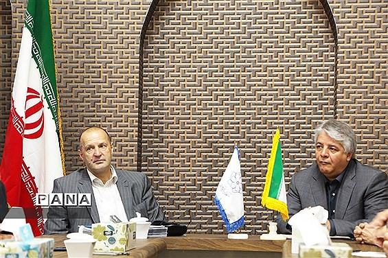 دیدار رئیس بنیاد جهانی انرژی با مسئولان شهرداری یزد