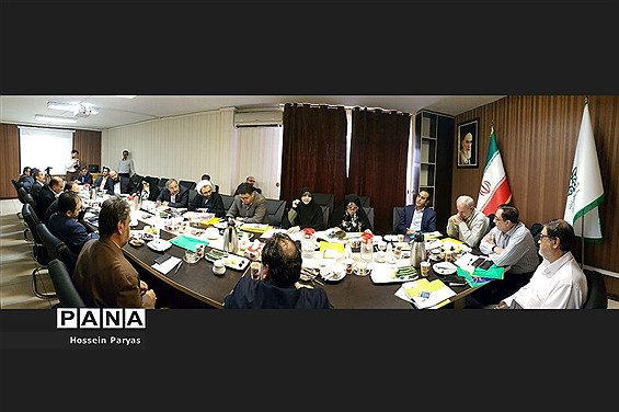 نشست هماندیشی مسئولان سازمان دانشآموزی و جمعی از نمایندگان مجلس