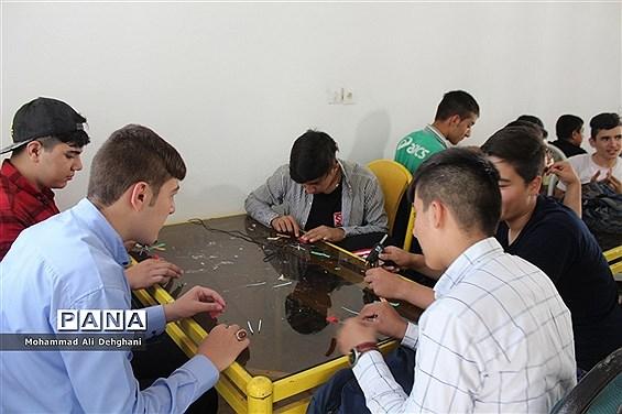 اردوی امید و نشاط دانش آموزان شهرستان بهارستان در اردوگاه شهید منتظری شهریار