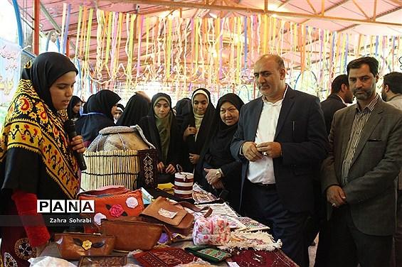 دومین روز از حضور دانشآموزان دختر مناطق مرزی در اردوگاه شهید با هنر تهران
