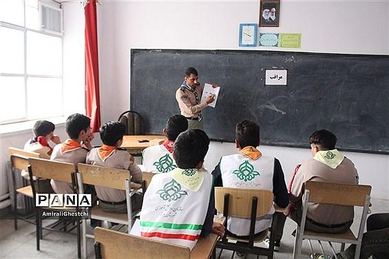 فراگیری آموزش های تخصصی تشکیلا ت در اردوی انتخاب و آمادگی اعضای پیشتاز اعزامی به اردوی ملی