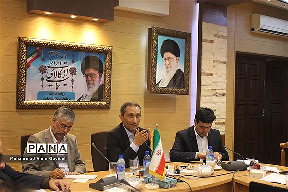 نشست شوراها و دهیاران شهرستان تبریز