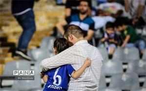 مهدی دادرس: زنها به ورزشگاه بیایند بسیاری از ناهنجاریها تمام میشود