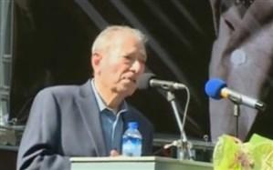 علی نصیریان در مراسم تشییع عزت الله انتظامی: من به عهدم وفا کردم ولی تو ما را تنها گذاشتی!