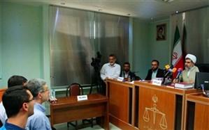 احمدینژاد: اگر مَردند اسناد را منتشر کنند/ مشایی در دادگاه: خودم وکلایم را عزل کردم + ویدئو