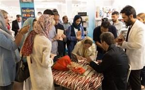 جشن امضای کتابهای «لندن 1939» و «خانواده کایداش»در هفته فرهنگی ایران و اوکراین برگزار شد