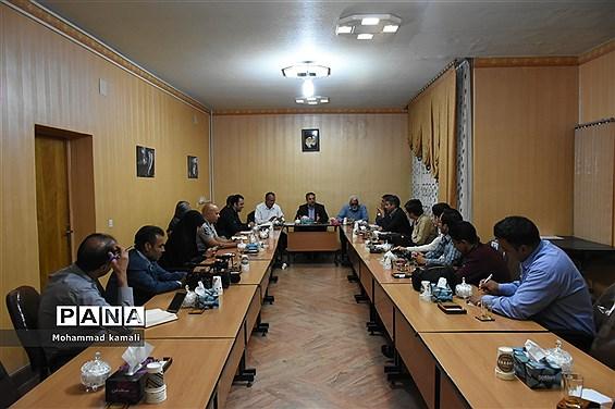 نشست خبری شهردار و اعضای شورای اسلامی شهر محلات به مناسبت هفته دولت با اصحاب رسانه