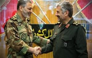 تبریک فرمانده کل سپاه به امیر سرتیپ خلبان حسن شاه صفی