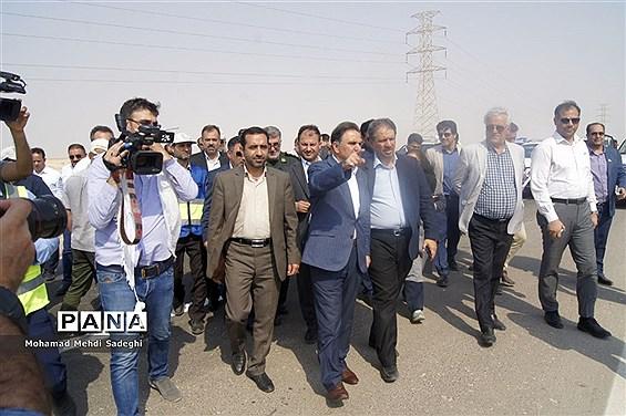 بازدید وزیر راه مسکن و شهرسازی از جاده ماهشهر- هندیجان