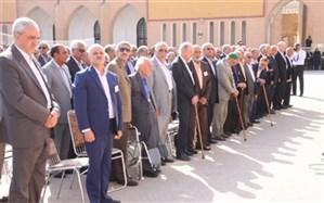صبحگاه  فارغالتحصیلان دهه 10 تا 70 دبیرستان  ایرانشهر یزد برگزار شد