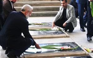 مراسم غبار روبی  و عطر افشانی مزار شهدا  در تبریز