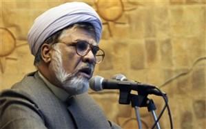 فاضل میبدی: برخی منبریها نه فقط به دولت روحانی که به همه کشور ضربه میزنند