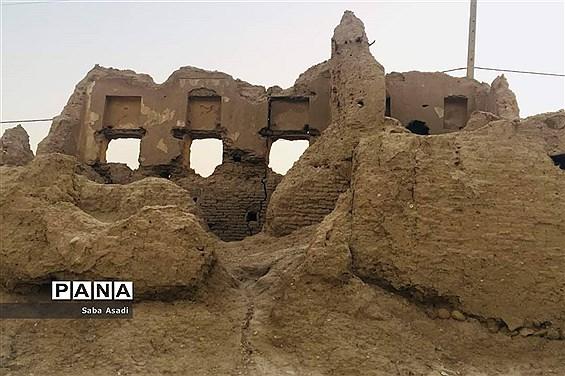قلعه تاریخی دهنو