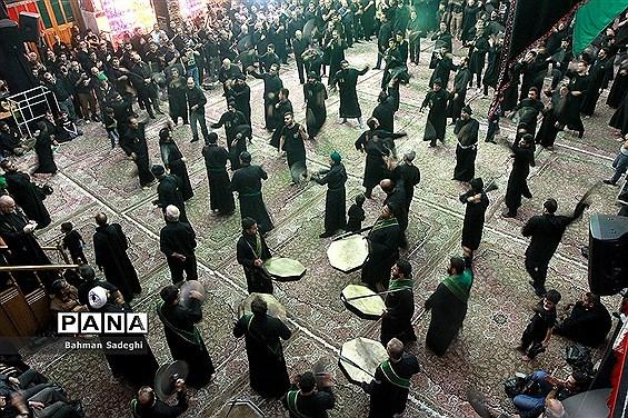 سوگواری تاسوعای حسینی در حسینیه کربلایی ها